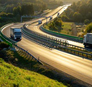 camion sur une autoroute