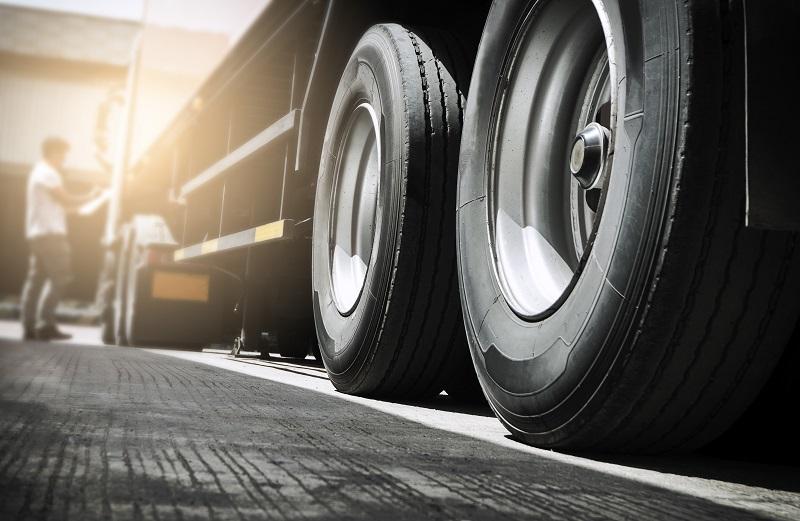 pneus d'un camion
